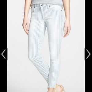 Skinny pant blue and white stripes
